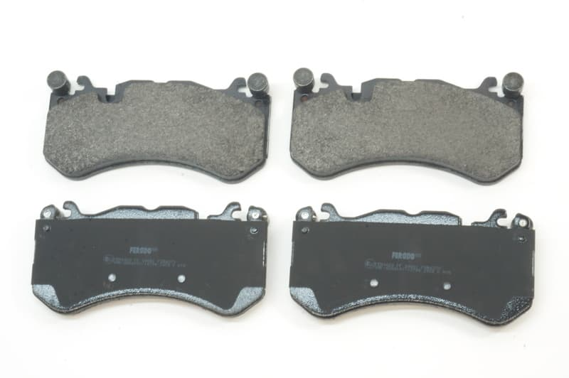 New Genuine Disc Brake Pad Set Front 0084202020 for Audi Mercedes MB